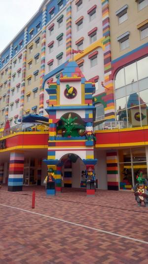 レゴ入口ドラゴン.jpg